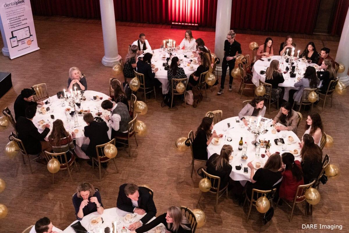 Diner DNTSTRY in Rode Hoed